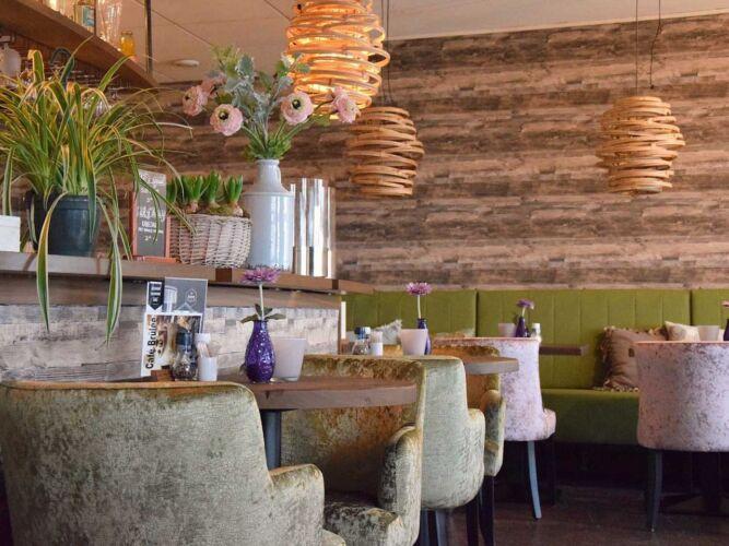 RestaurantWaterfront2